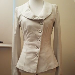 Beautiful fitted Danier leather jacket, 2XS